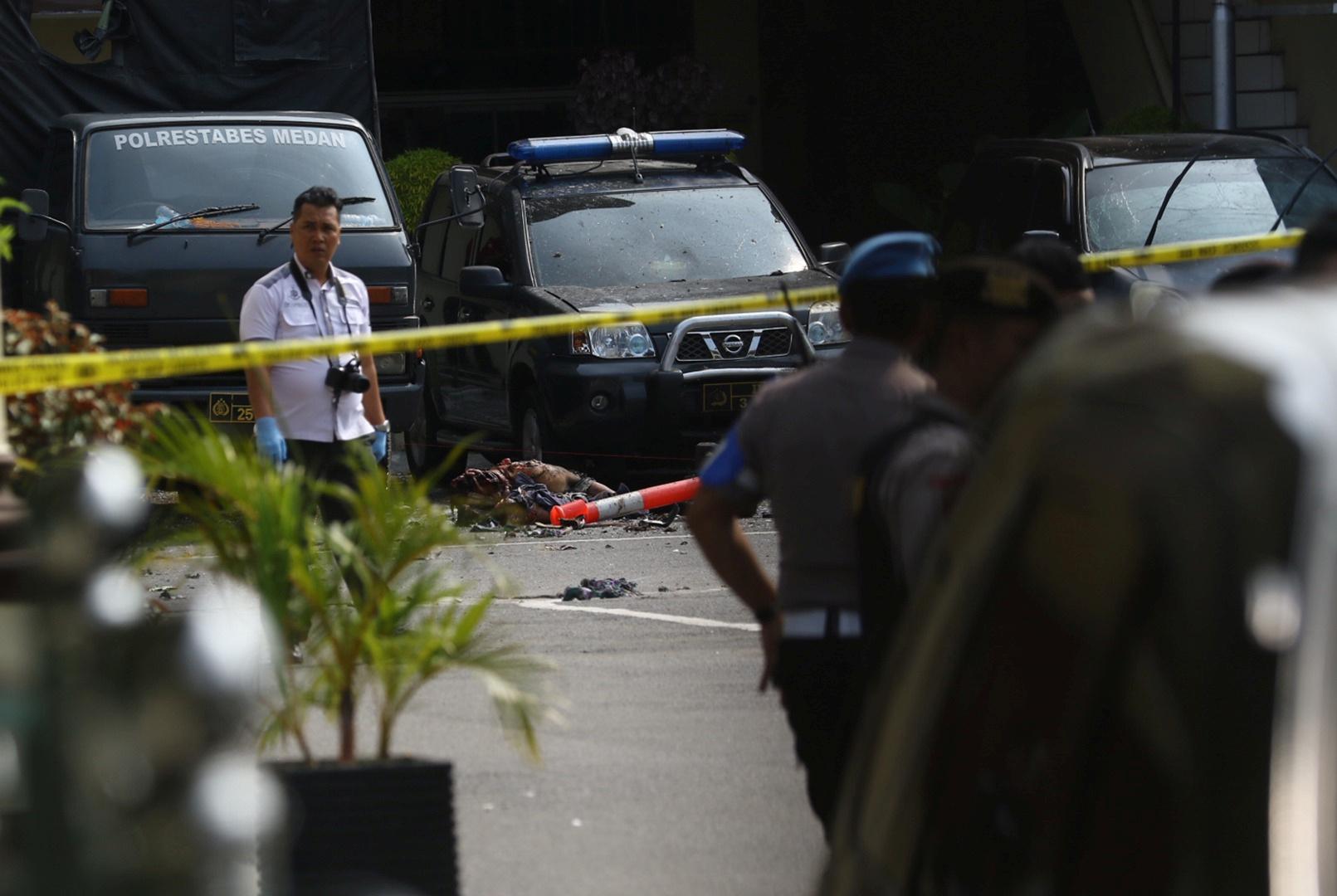 - تفجير انتحاري غرب إندونيسيا يسفرعن قتلى وجرحى